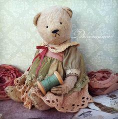 Artist bear Lily by Dulcineabears