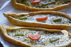Türkische Pide mit Schafskäse Füllung – Peynirli pide   Aynur's Welt – Aynurun dünyasi