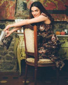 Fashion Magazine Vogue Taylor Swift 62 Ideas For 2019 Deepika Ranveer, Deepika Padukone Style, Aishwarya Rai, Bollywood Actors, Bollywood Celebrities, Indian Film Actress, Indian Actresses, Deeps, Photoshop