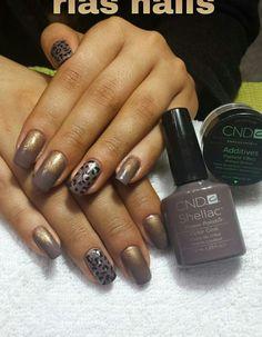 Ria's nails! CND Shellac + Additives pigment :-)