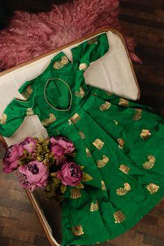 Girls Frock Design, Kids Frocks Design, Baby Frocks Designs, Baby Dress Design, Baby Girl Frocks, Frocks For Girls, Dresses Kids Girl, Chaniya Choli For Kids, Kids Lehanga