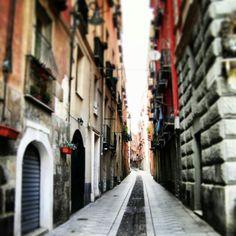 In the street Street, Roads