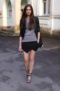 Zara Skort Outfit 3: one color. grey tshirt, black jacket, sandals... very low key