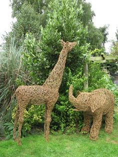 Giraffe and Elephant Willow Sculpture Stone Sculpture, Modern Sculpture, Garden Sculpture, Willow Weaving, Basket Weaving, Child Friendly Garden, Twig Art, Baby Shower, North London