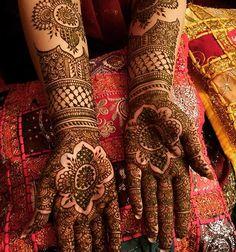 Bridal Mehendi Designs - The Curvy Floral