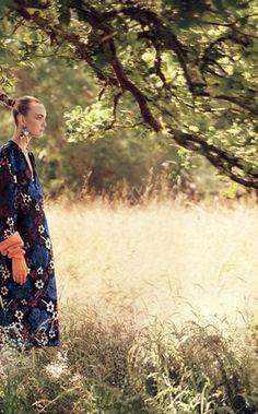 Carol Trentini brilha em dois editoriais da Vogue americana de setembro (Foto: Reprodução Vogue) - http://epoca.globo.com/colunas-e-blogs/bruno-astuto/noticia/2014/08/bcarol-trentinib-brilha-em-dois-editoriais-da-vogue-americana-de-setembro.html