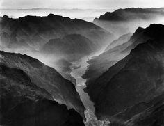Dmitri Kessel, The Yangtse River passing trough the Wushan, or Magic Mountain, Gorge; Szechwan Province, China, 1946