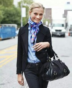 Love the way her scarf is tied!