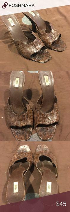 Authentic women's Prada heels 👠 Women's authentic Prada heels. Size 39.5. Color is brown. Good condition Prada Shoes Heels