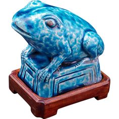 Late 19th Century Chinese ceramic frog or toad with turquoise-glaze and wood…