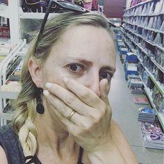 Aí você vem ajudar o cunhado a comprar no atacadão material escolar para a lojinha!!!! Imaginem a minha caraquero comprar tudo!!!!! #grupomamaesdesp #materniarte
