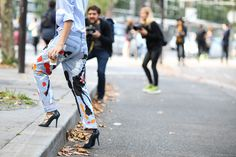 80 French Style Lessons To Learn Now #refinery29  http://www.refinery29.com/2014/10/75565/paris-street-style-photos-fashion-week-2014#slide39  Do: Let the photogs get the stepping shot.