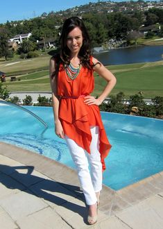 Style Expert Sydne Summer wearing the Zahara Bib Necklace by Stella & Dot at her resort photoshoot. Work it!