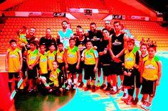 Basquetbolistas conviven con sus idolos de Panteras ~ Ags Sports