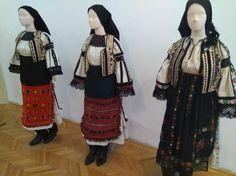 FOTO Ii vechi, dar în vogă şi azi. Povestea cămăşii tradiţionale din Mărgău, unică în România | adevarul.ro