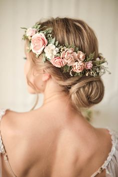Blush flower crown by FaberAccessories. Girls Crown, Flower Girl Crown, Flower Crown Wedding, Wedding Headband, Bridesmaid Flower Crowns, Bridal Flower Crowns, Floral Crowns, Hair Wedding, Wreath Wedding Hair