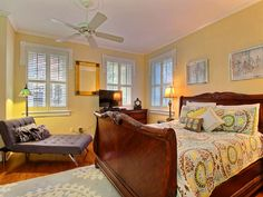 Not available $740 4 nights 2 queenIf you have been planning a trip to historic downtown Savannah, but don't know where to start looking for Savannah rentals, then let us at Southern Belle make the process easy. We have a wide range of downtown Savannah ...