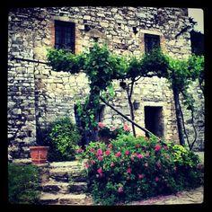 Beautiful House in Umbria Beautiful Homes, Sidewalk, House, House Of Beauty, Home, Side Walkway, Walkway, Homes, Walkways