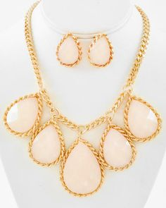 Gold Tone / Natural Acrylic / Lead&nickel Compliant / Charm / Necklace & Post Earring Set