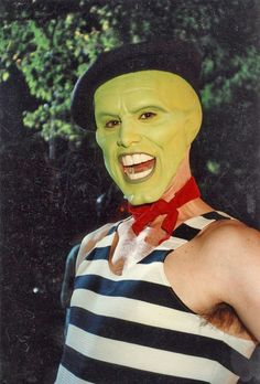 I Love the Mask. The Mask was the first movie I saw with Jim Carrey. The Truman Show, La Mascara Jim Carrey, Jim Carrey Movies, Jim Carey, Makeup Humor, Funny Makeup, Makeup Qoutes, Actors, Dark Horse