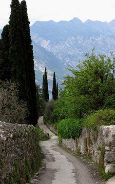Malcesine, Lake Garda, Veneto, Italy (by kartini_k2 on Flickr)