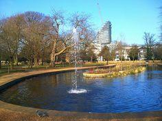 walpole park ealing london: fountain in lake: http://www.europealacarte.co.uk/blog/2015/06/01/photo-tour-of-walpole-park-in-ealing-london/