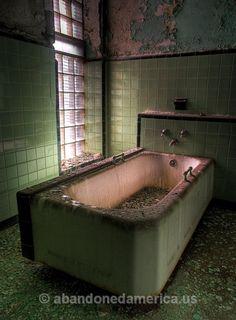 taunton state hospital or asylum, taunton massachusetts - matthew christopher murray's abandoned america