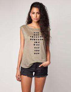 Bershka United Kingdom - Bershka sequin detail T-shirt Jeans Shoes f4fea812e