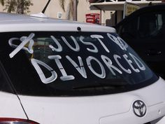 Unconventional dating site hands out free Dallas divorces