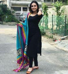 Best Trendy Outfits Part 30 Pakistani Dresses, Indian Dresses, Indian Outfits, Kurta Designs Women, Salwar Designs, Dress Indian Style, Indian Wear, Stylish Dresses, Simple Dresses