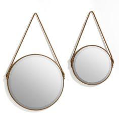 Il joue avec la lumière et donne de l'éclat à la déco.Le miroir biseauté. Finition corde (coloris camel) autour du miroir + attache. 2 taillles (diamètre 35 cm et diamètre 50 cm).
