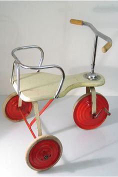 Vintage fifties wood and metal tricycle Vintage Dolls, Retro Vintage, Pedal Cars, Toy Trucks, Retro Toys, Vintage Trucks, Vintage Bicycles, Antique Toys, Old Toys