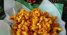 Mennonite Girls Can Cook: Caramel Popcorn Twists - seriously the most addictive thing you will ever eat! Christmas Popcorn, Christmas Baking, Christmas Treats, Christmas 2014, Holiday Baking, Holiday Treats, Christmas Stuff, Christmas Cookies, Merry Christmas