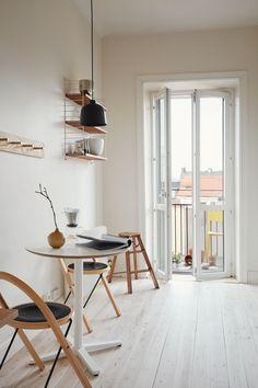 Minimalistic studio Follow Gravity Home: Blog - Instagram - Pinterest - Facebook - Shop