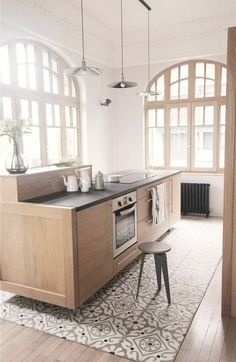 Find the best feng shui cuisine in the gallery: - pretty zen kitchen in light wood with wooden floor and tiled floor Decor, Kitchen Flooring, Home, Zen Kitchen, Tile Rug, Cheap Home Decor, House Interior, Home Deco, Kitchen Design