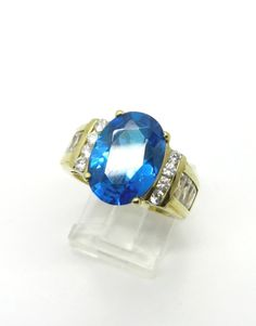 Vintage Blue Topaz Ring Blue and White Topaz by LeesVintageJewels