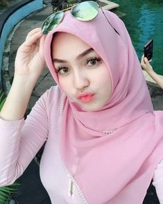Dina Agustin Hijaber Cute From Aceh - Hijaber Indo Hijab Niqab, Hijab Chic, Beautiful Muslim Women, Beautiful Hijab, Cute Asian Girls, Cute Girls, Video Hijab, Muslim Beauty, Stylish Dpz