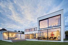 Modern houses by Schiller Architektur BDA Dream House Exterior, Dream House Plans, My Dream Home, Stommel Haus, Villa, Minimalist Decor, Beautiful Homes, Architecture Design, New Homes