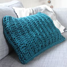 Huge knitting needles and fabric yarn! Free pattern in Norwegian at; www.mykenoster.no