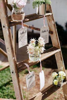 20 Floral Ideas for Boho Wedding D?cor Interiorforlife.com Bright Bohemian Wedding
