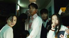 Zombie thriller 'Train to Busan' unveils intense launching trailer! Gong Yoo, Scary Movies, Good Movies, Horror Movies, Weekender, Zombies, Train To Busan Movie, Daniel Zovatto, Songs