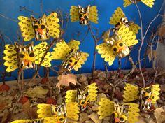 En nuestro bosque ha anidado una bandada de pequeños búhos de cartón. Alumnos de 4 años. Colegio Ntra.Sra Santa María. Madrid