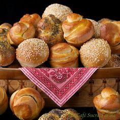 The Café Sucré Farine: Buttermilk Dinner Rolls ....... in Three Fun Shapes!