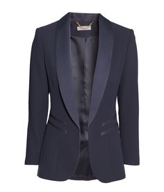 Navy blue fitted blazer with pockets and back vent. | H&M Modern Classics