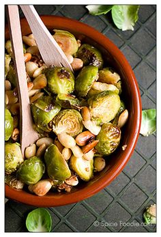 Fresh Roasted Brussels Sprouts With Almonds; fresh; Brussels Sprouts; Almonds; garlic; recipe; vegan; vegetarian; vegetables; side dishes; olive oil; low fat; healthy; nutritious; Spicie Foodie; Choux de Bruxelles; aux amande