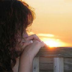 Waar Plat als trainer extraverte persoonlijkheden vaak moet aansturen in het beter organiseren van hun leven en werk, zit dat bij de introverte werknemer meestal wel goed. 'Introverte mensen zijn van nature beter georganiseerd. Er is zelfreflectie en rust nodig om goed na te kunnen denken.'