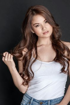Be Careful With My Heart ( forums.abs-cbn.com333 × 500Search by image ... plays Cheska is a good friend of mine (Star Magic artist Elisse Joson). Hopefully she gets some more airtime if not another chance in another teleserye. Beauty Full, Beauty Women, Asian Beauty, Philippine Women, Filipina Beauty, Liza Soberano, Cute Asian Girls, Pretty Girls, Girl Crushes
