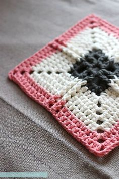 Ribbed Cross Granny Square - PLEASE NOTE: Written in UK terms (with US in brackets)