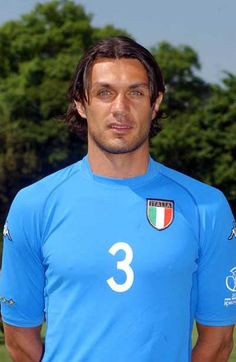 Paolo Maldini defensa del Milan y la Seleccion Italiana