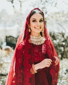 Best Jewellery Options to Match with your Red Bridal Lehenga, You can collect images you discovered organize them, add your own ideas to your collections and share with other people. Indian Bridal Outfits, Indian Bridal Lehenga, Indian Bridal Fashion, Pakistani Bridal Dresses, Indian Dresses, Lehenga Wedding, Wedding Dresses, Designer Bridal Lehenga, Wedding Hijab